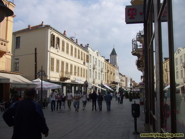Bitola Main Street - www.countrybagging.com