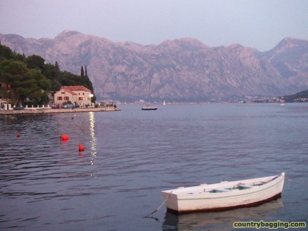 Perast - www.countrybagging.com