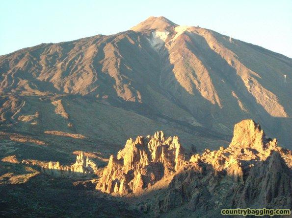 Mt. Teide at sunset - www.countrybagging.com