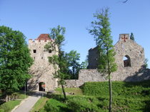 Sigulda Old Castle - www.countrybagging.com