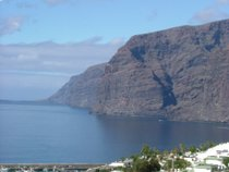 The Cliffs of Los Gigantes - www.countrybagging.com