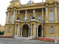 Croatian National Theatre - www.countrybagging.com