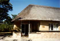 Lodge in Hwange National Park - www.countrybagging.com
